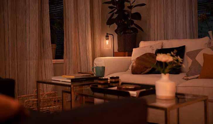 Op elk moment de perfecte sfeer in huis met Philips SceneSwitch en WarmGlow.